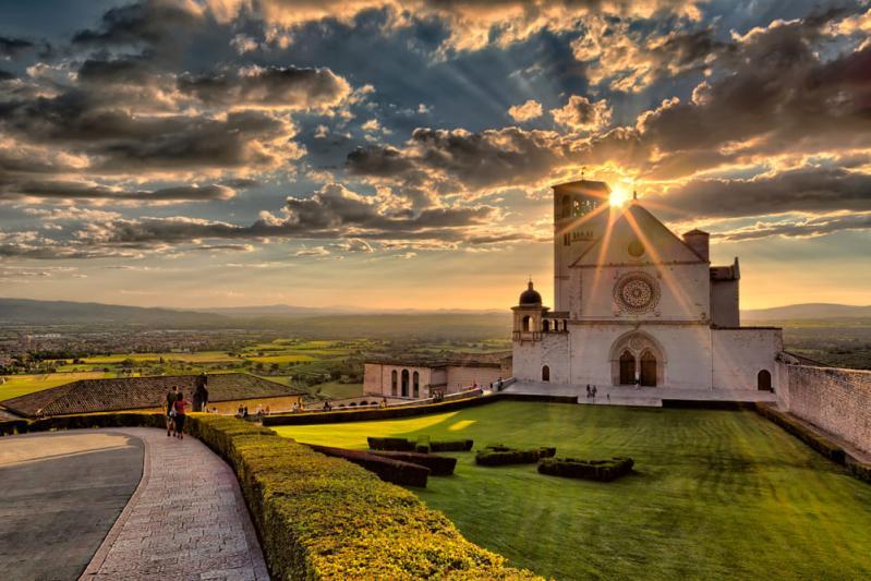 UMBRIA TASTES GOOD: Perugia, Castiglione del Lago, Assisi, Spello, Torgiano e Montefalco